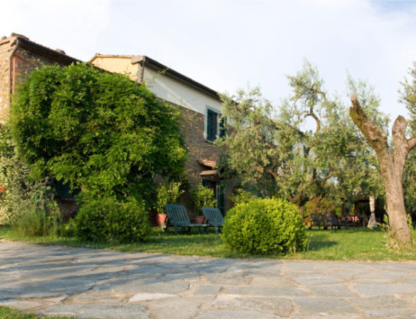 Borgo-la-Casetta-panoramica-750x500